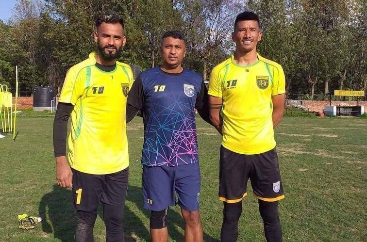 Jawalakhel extends Goalkeeper Tekendra's contract for another season