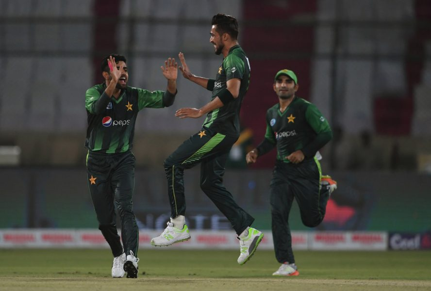 दक्षिण अफ्रिका भ्रमणकाे तयारीमा रहेकाे पाकिस्तानका एक खेलाडीमा काेराेना पाेजेटिभ