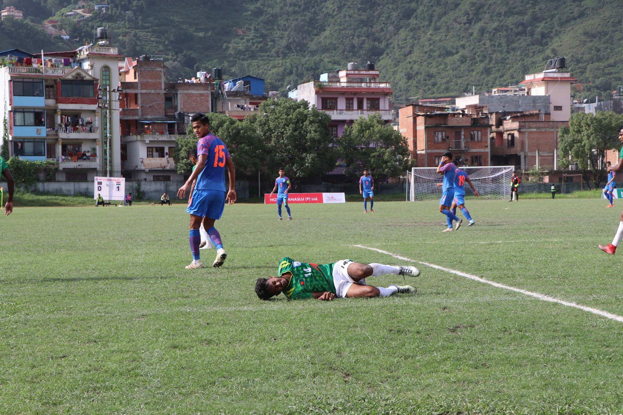 साफ यू–१८ फुटबलकाे उपाधि भारतले जित्याे, बंगलादेश २-१ ले पराजित