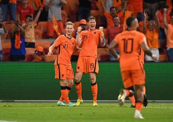युरो कप : दोस्रो हाफमा ५ गोल नेदरल्याण्ड्स विजयी