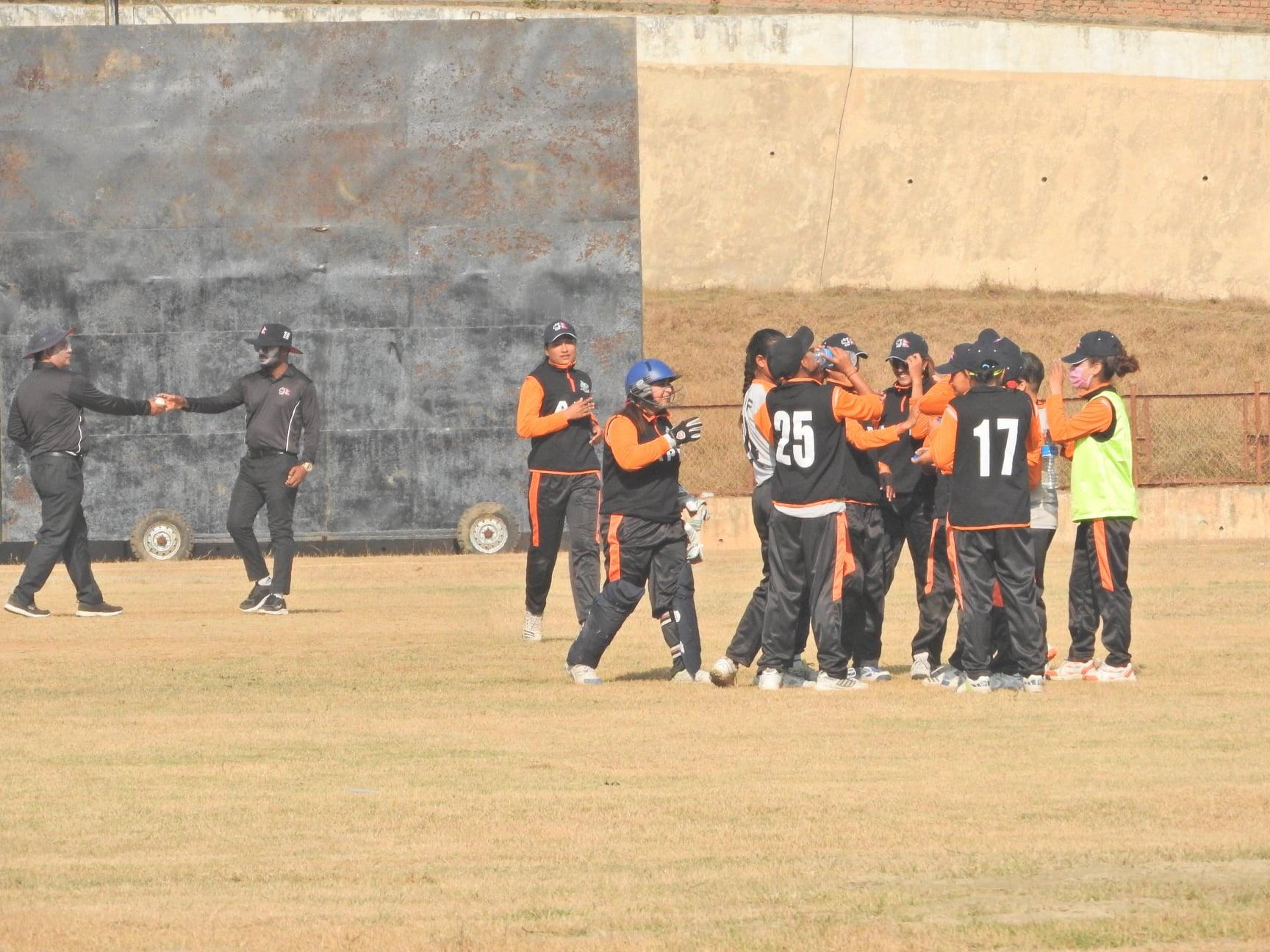 मेयर ११ लाई १० विकेटले हराउँदै एपीएफ फाइनलमा