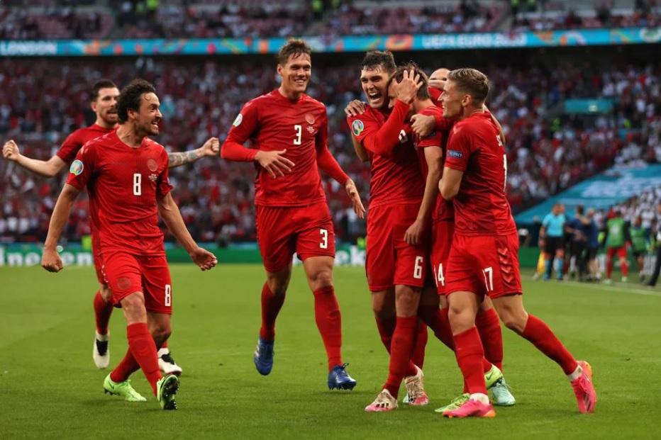 इंग्ल्याण्ड र डेनमार्कविचकाे पहिलाे हाफ १-१ गाेलकाे बराबरीमा