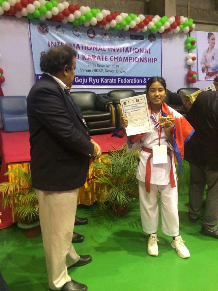 दिनिशालाई १२ वर्षमै पहिलो अन्तर्राष्ट्रिय स्वर्ण पदक