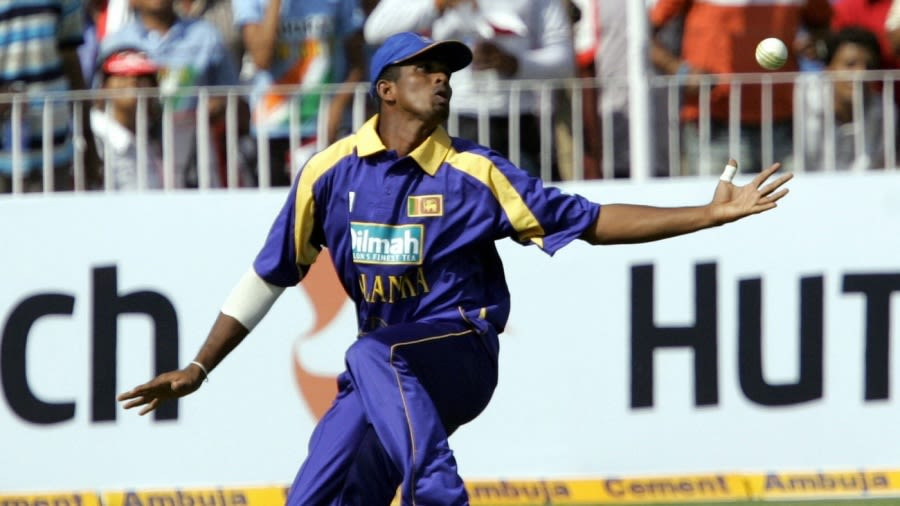 श्रीलंकन पूर्व क्रिकेटर दिहारा ८ बर्षकाे प्रतिबन्धमा