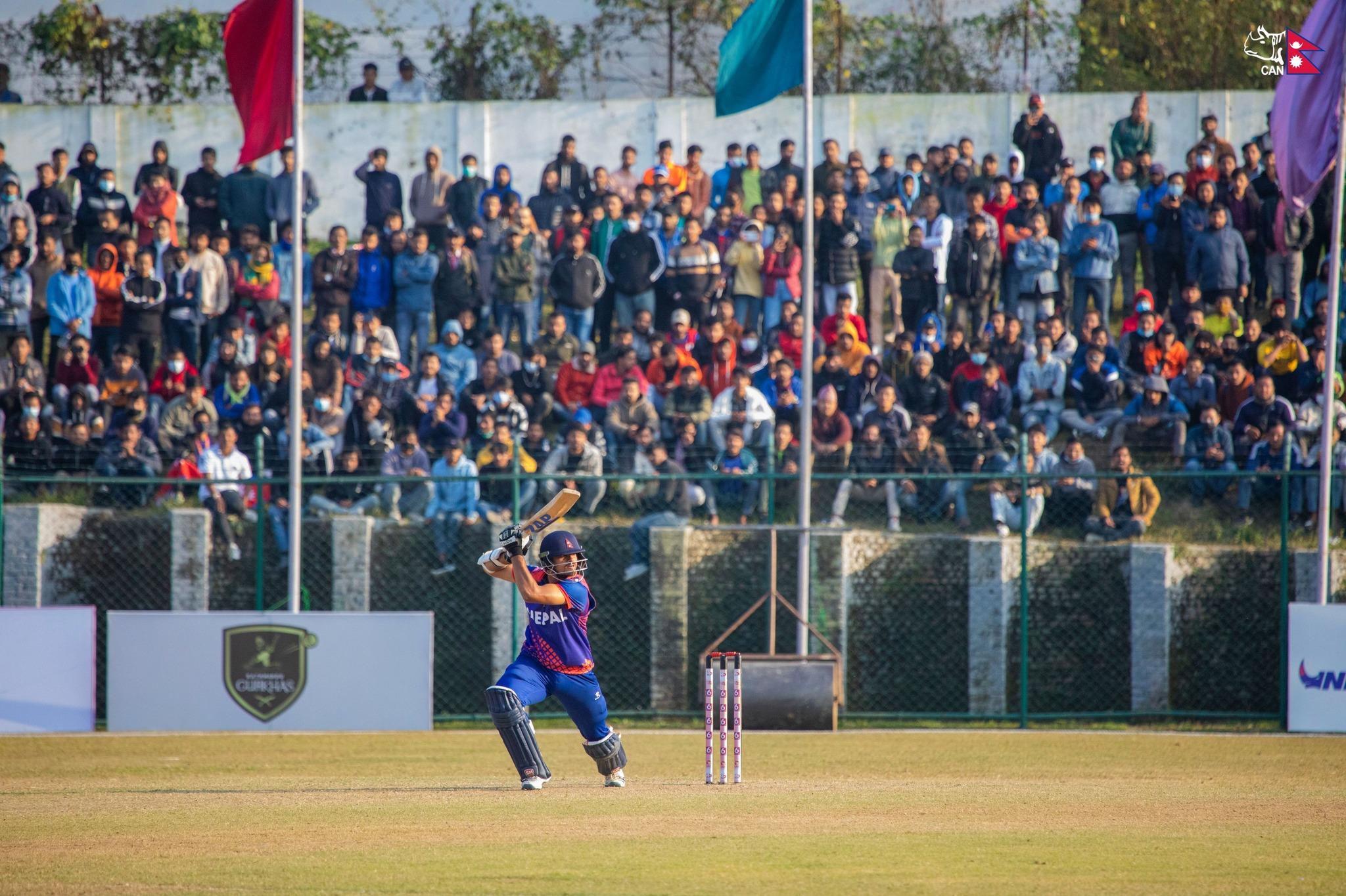 जर्मनीले इंग्ल्याण्डसँग हार्दा मैदानमा नै रोएकी किशोरी समर्थकको सहयोगमा उठ्यो ३६ हजार पाउण्ड रकम