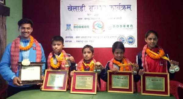 एशियाली करातेमा पदक विजेता एस्तर १ लाख नगदसहित सम्मानित