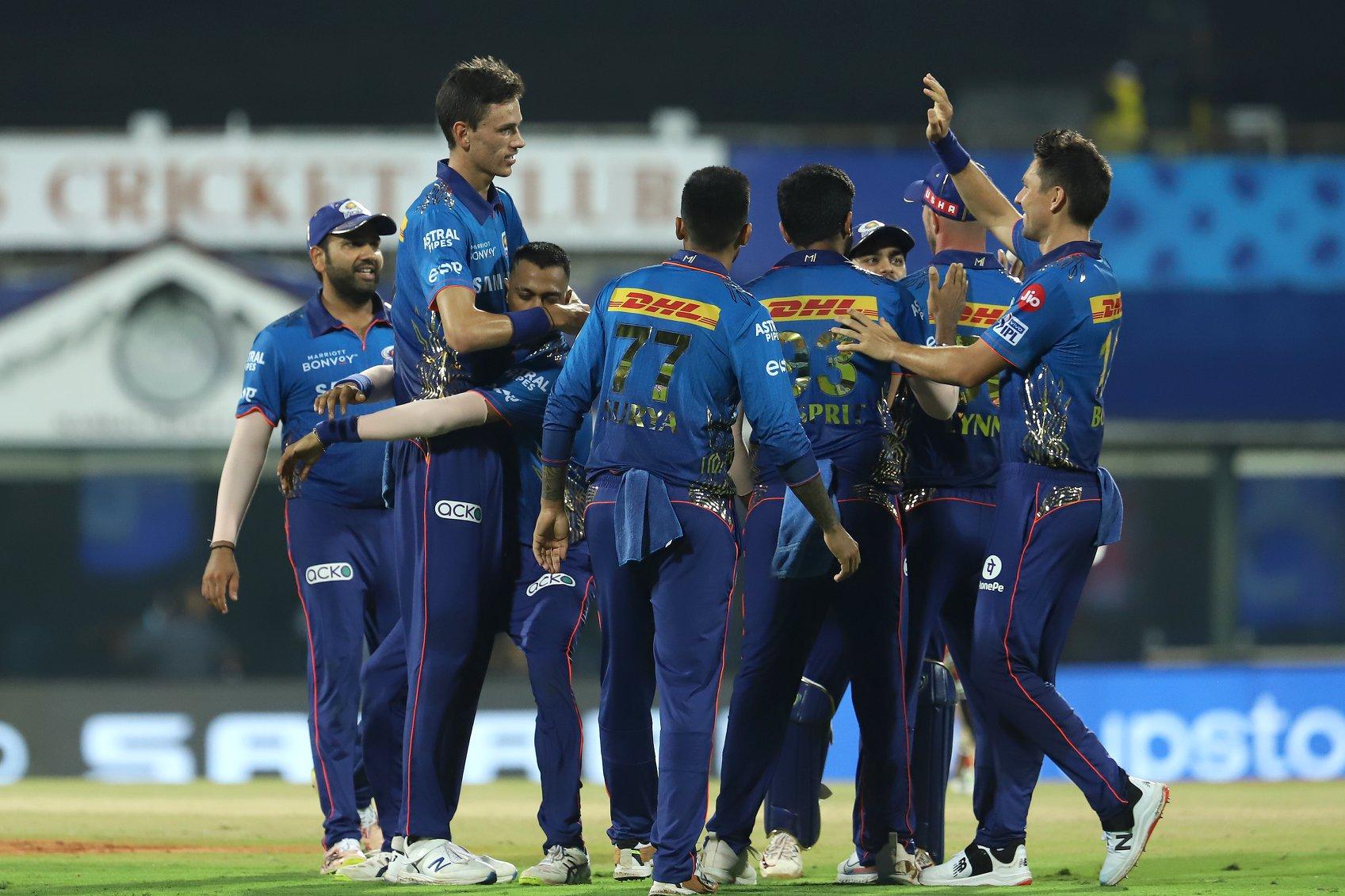 आईपीएलमा मुम्बईको दोस्रो जित, हैदराव १३ रनले पराजित